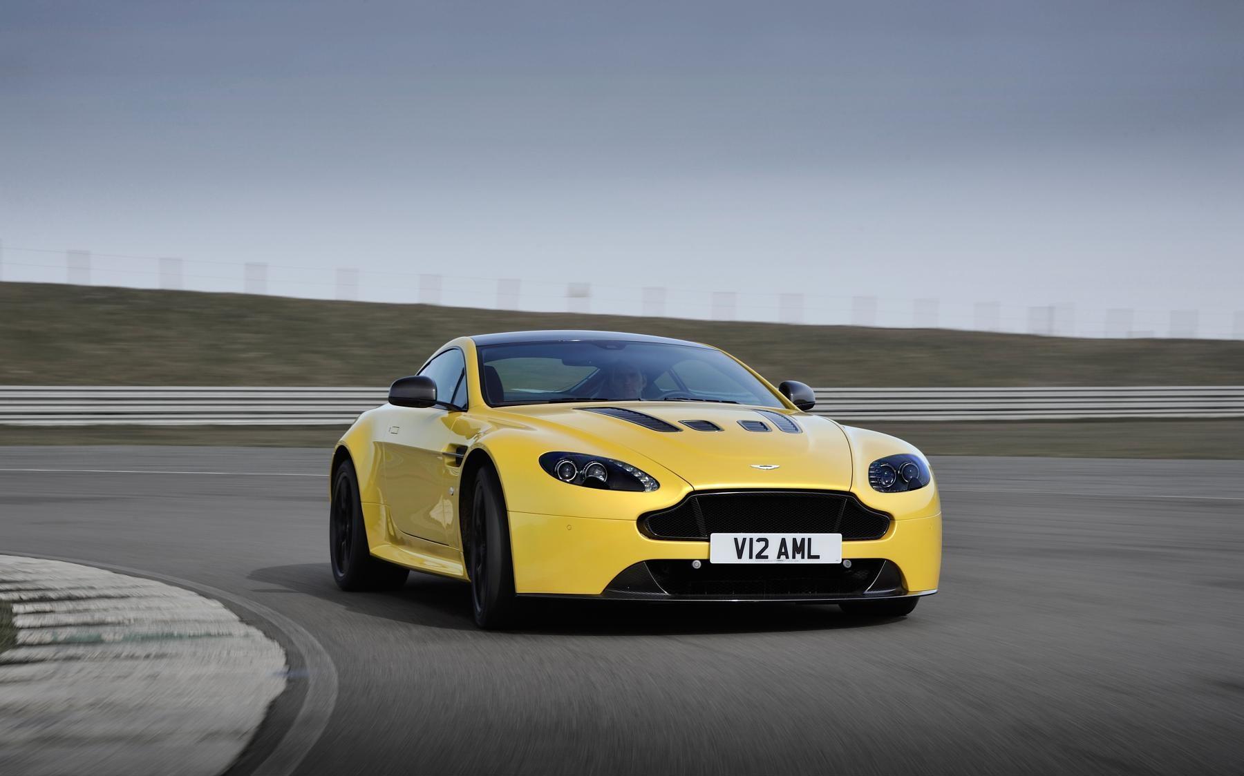 Aston Martin V12 Vantage S And 2014 Ferrari 458 Gtlm Confirmed For Forza Motorsport 6 Team Vvv