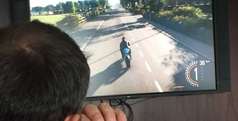 tt isle of man ride on the edge preview event screenshot chase cam